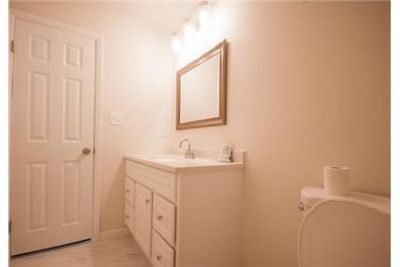 4 bedrooms House - Beautiful remodel property for rent.