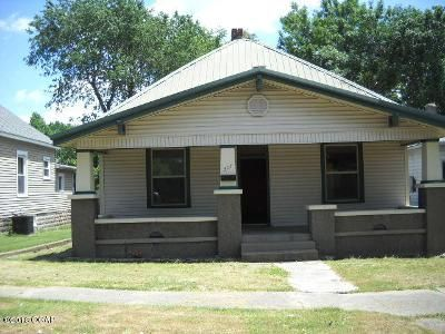 3 Bed 1 Bath Foreclosure Property in Monett, MO 65708 - 3rd St