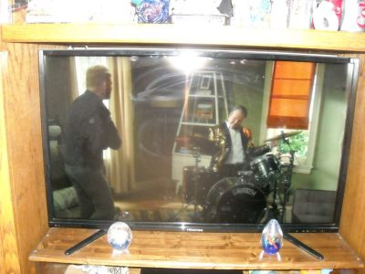 "38"" flat screen TV"
