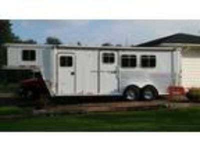 2002 Featherlite Horse Trailer 3 2 LQ Clean Beauty