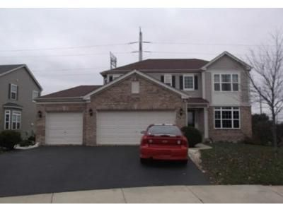 4 Bed 2.5 Bath Foreclosure Property in Schaumburg, IL 60192 - Mackinac Ln