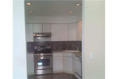 Brooklyn, Great Location, 2 bedroom House. Washer/Dryer Hookups!