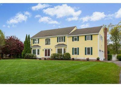 286 Picnic St Boxborough, Stunning, young spacious Four BR