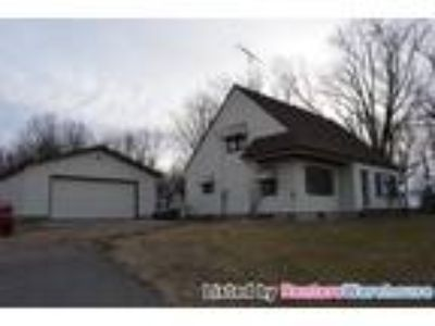 Great Three BR Home for Rent in Glencoe!!