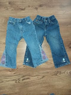 Size 3t jeans $2 For both