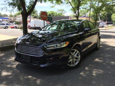 2016 Ford Fusion 4dr Sdn SE FWD (Shadow Black)