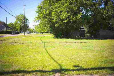 1186 Forrest Beaumont, 2 lots located on the corner of