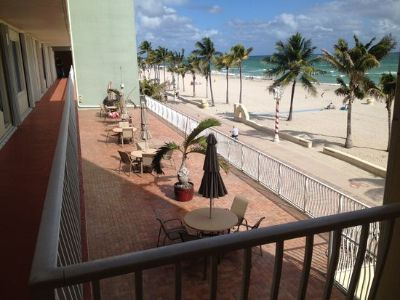 Condo for Sale in Hollywood, Florida, Ref# 11235095