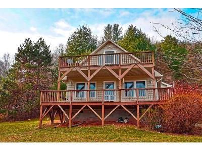 3 Bed 2 Bath Foreclosure Property in Grassy Creek, NC 28631 - Lucky Valley Rd