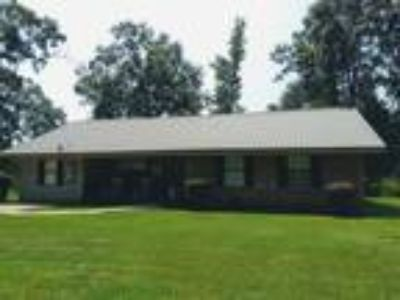 $169900 Four BR 2.00 BA, Carriere
