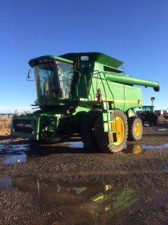 2004 John Deere 9860 combine for sale in Delhart, TX.