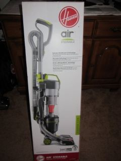 NEW HOOVER STEERABLE LIGHTWEIGHT CYCLONIC UPRIGHT BAGLESS HEPA VACUUM UH72400DI