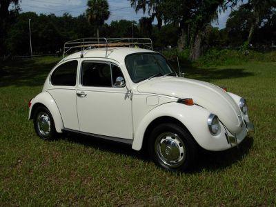 1972 Volkswagen Beetle BUG (Beige)