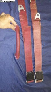 Pigalle seat belts and grab handle