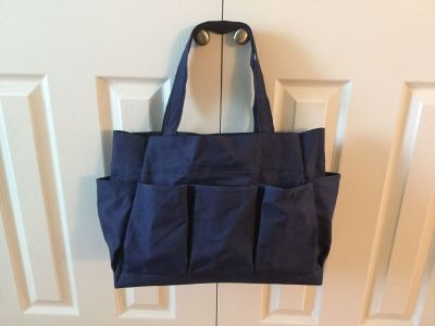 Multi Pocket Tote, Dark Blue, 7 exterior pockets. So versatile - Teachers, artists, crafters, campers, holder of toys. VGUC. PU Innsbrook.