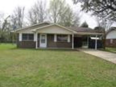 $109900 Three BR 2.00 BA, Ocean Springs