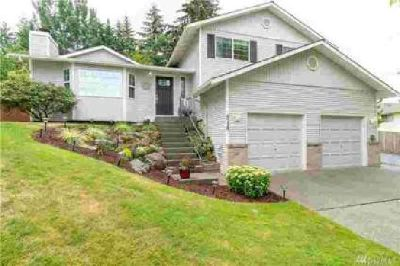 6229 2nd Dr SE Everett Three BR, Remarkable home in the desired
