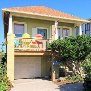 $150  2br - Historic Cottage with Gulf View. Just Steps To The Beach (Galveston