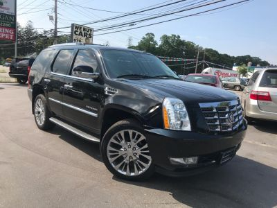 2011 Cadillac Escalade Luxury (Black Raven)