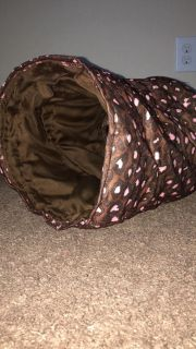 Collapsible cat tunnel