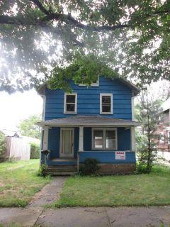5 bedroom in Akron
