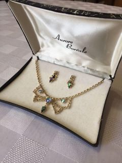 VINTAGE AURORA BOREALE NECKLACE SET WITH SCREWBACK EARRINGS