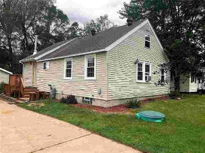 609 Selma Street EAU CLAIRE Three BR, Welcome Home!