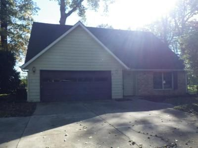 3 Bed 2.5 Bath Foreclosure Property in Muncie, IN 47302 - W Tree Ln