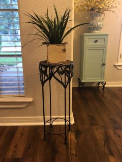 Plant stand (plant not included)