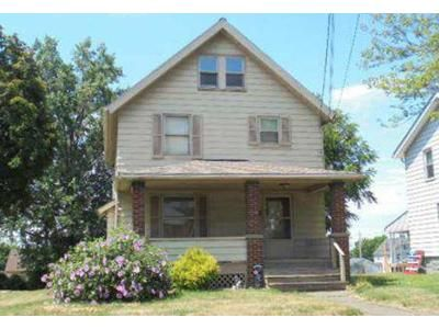 3 Bed 1.5 Bath Preforeclosure Property in Girard, OH 44420 - Lawrence Ave