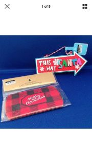 """New ! This Way Santa Christmas Sign Red and Blue Size: 6"""" X 3"""" and 3 pillow box gift cards."""