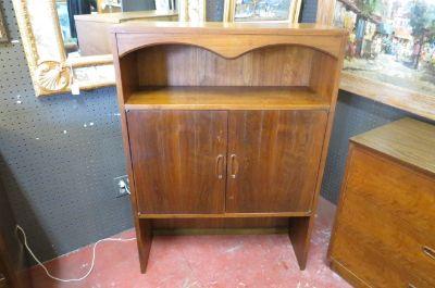 Vintage mid century Walnut Lane 2 door cabinet