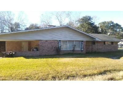 3 Bed 2 Bath Foreclosure Property in Lake Charles, LA 70605 - Powell Ln