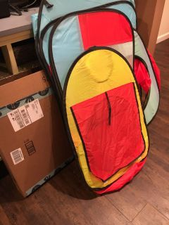 NEW Play Tent and Tunnel $25