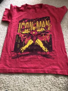 Lot of 3 licenses shirts size 5