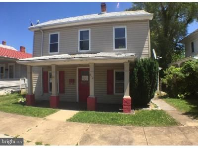 3 Bed 1 Bath Foreclosure Property in Martinsburg, WV 25401 - W Virginia Ave