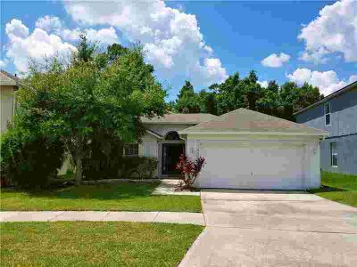 14156 Econ Woods Lane ORLANDO, LOCATED 5 MINUTES FROM UCF!!!