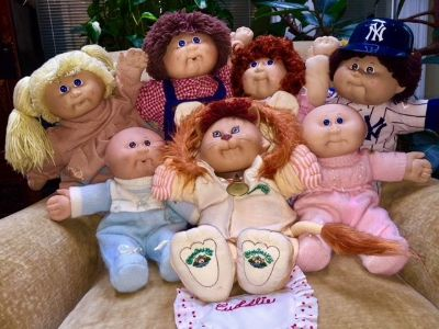 7 CABBAGE PATCH DOLLS