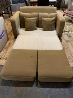 Children s Couch. Opens to a bed! Great for sleepovers and kids playroom. Great condition!