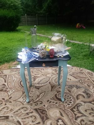 Queen anne style table