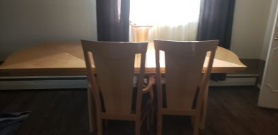 Large dining table extandable seats 8