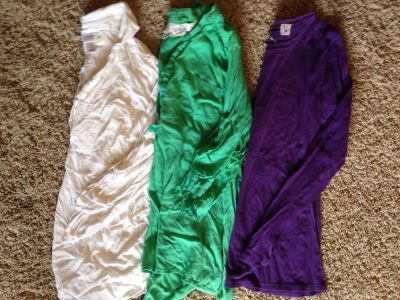 Size small maternity tops all for three dollars!