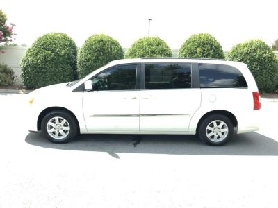 2012 Chrysler Town & Country Touring (WHITE)