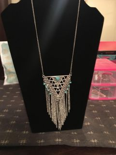 Gorgeous Aztec necklace comes with free pair of earrings