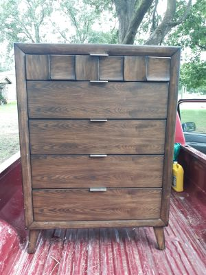 Chest of drawers with two matching nightstands