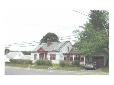 4 Bed 2 Bath Foreclosure Property in Dalton, MA 01226 - N St