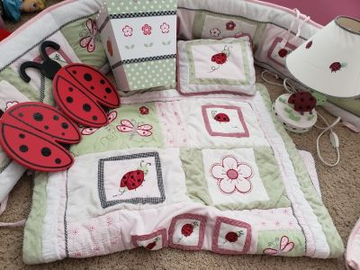 Baby girl crib bedding and accessories