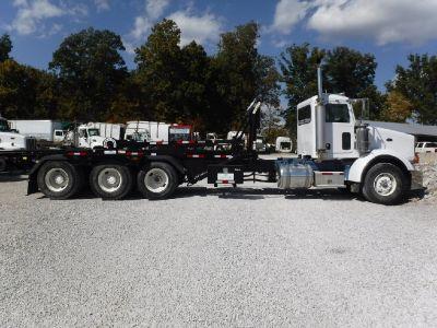2010 Peterbilt 386 Semi Tractor Trailer ISX
