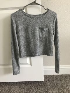 Long sleeve crop top size small