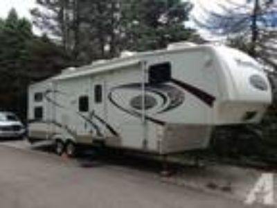 $26,500 Bunkhouse Fifth Wheel - Keystone Montana Mountaineer 345DBQ
